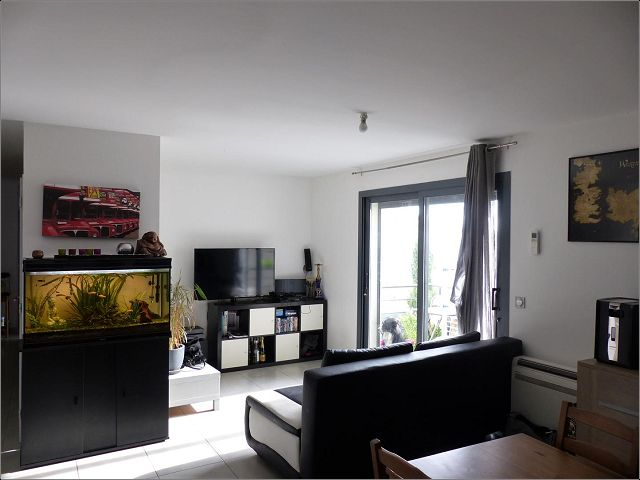 Location Appartement P3 a UCHAUD